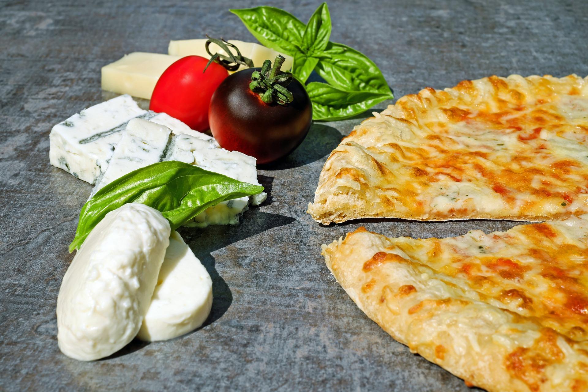 """Pizza 4 formaggi (""""čtyř druhů sýra"""")"""