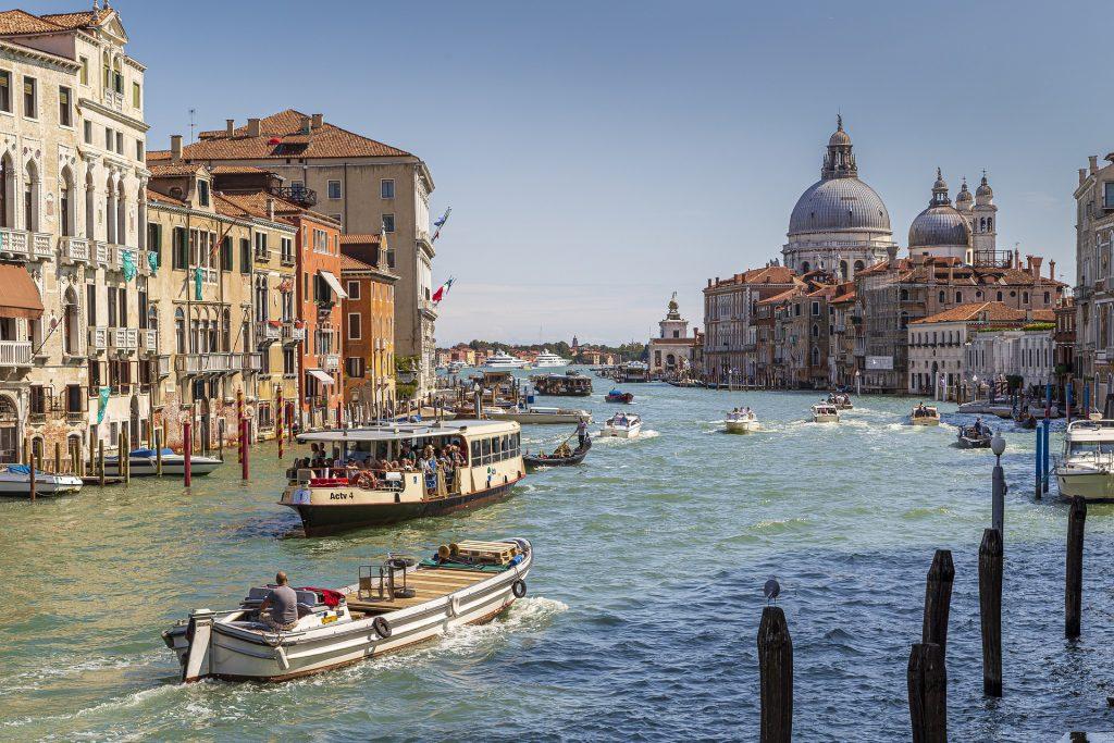 Benátky - Canal Grande s bazilikouo